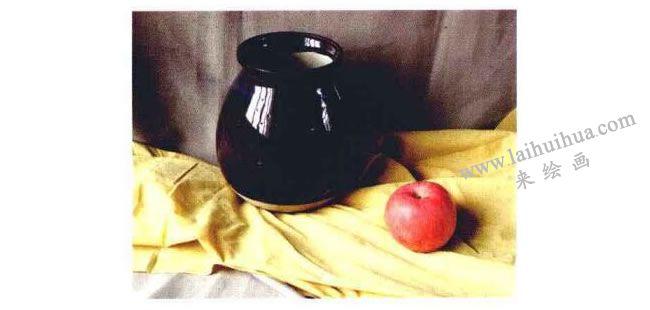 苹果和陶罐实物图