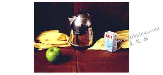 不锈钢电水壶、水果和牛奶盒组合